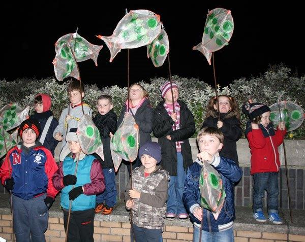 children with-fish-lanterns