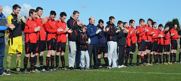 Local footballers paid tribute to Ronnie before their match