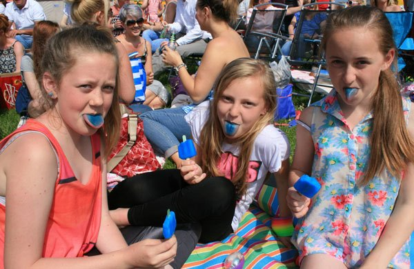 Blue tongues