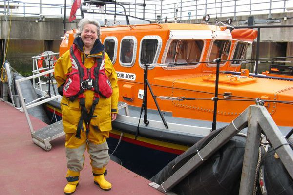 Amble Lifeboat needs our help (or what Vivienne did next)