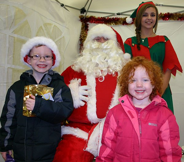 children-with-Santa-and-elf-AW