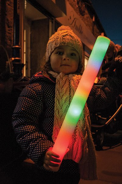 girl-with-glow-stick-AW