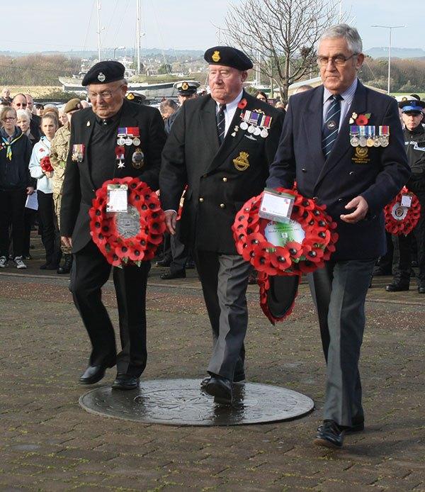 wreath-veterans BR