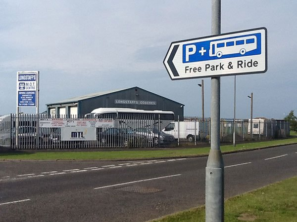 Park-and-Ride-sign-ind-est
