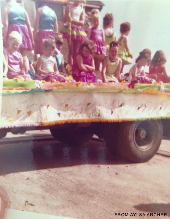 Carnival float- credit Aylsa Archer