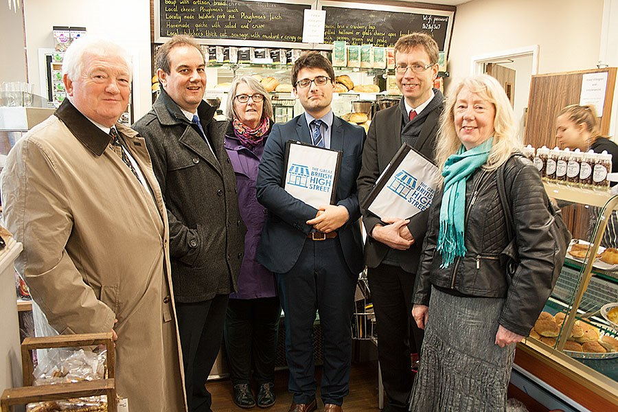 l- r Jeff Watson (NCC/ Amble TC); David Hall (Northumberland Tourism); Ann Burke (Amble Business Club); GB High St judges Jake Werth and Mark Holder and Julia Aston (Amble Development Trust)