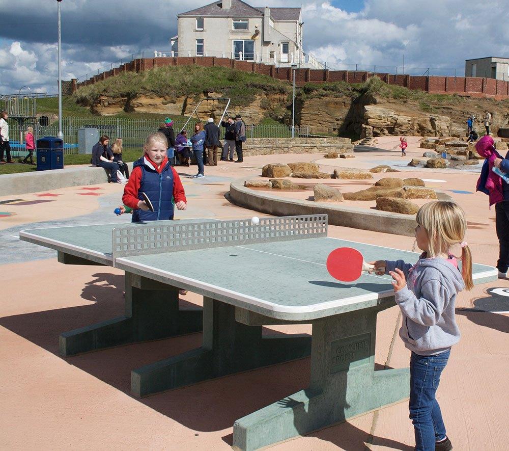 Paddlers-opening-ping-pong