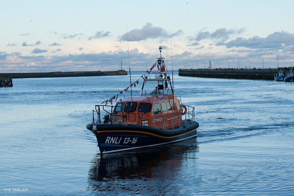 RNLI-Elizabeth&Leonard-in-Amble-Harbour