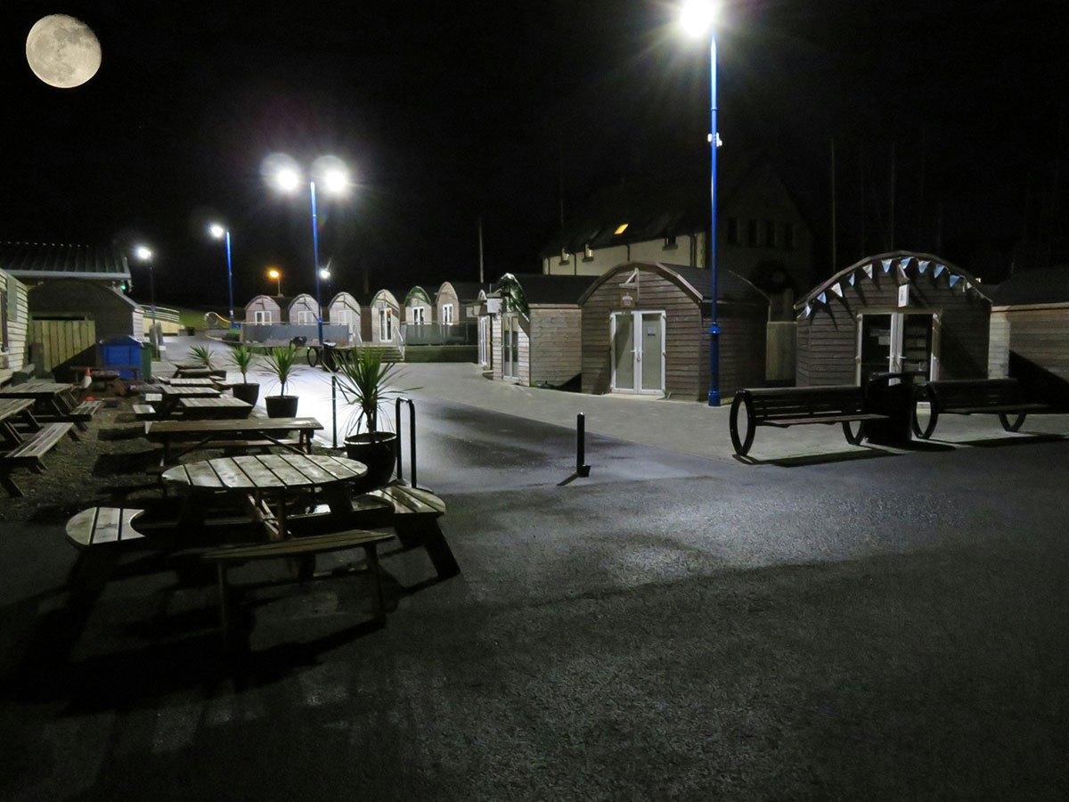 supermoon-over-Harbour-Village-John-Clarke