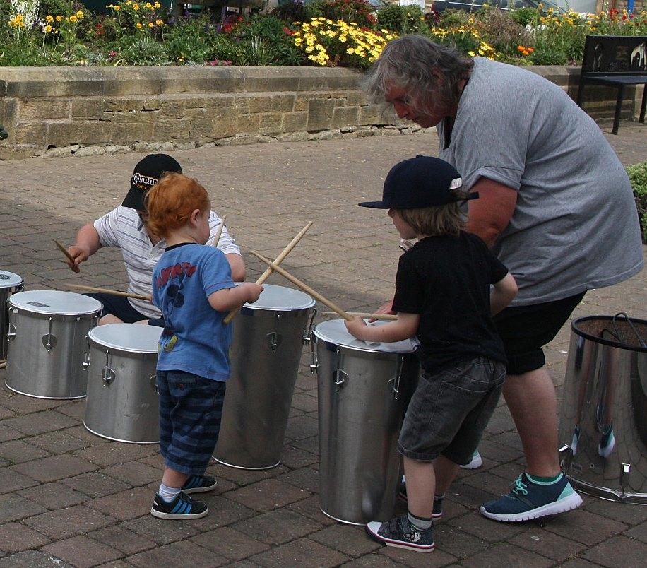 kids-drumming-BR