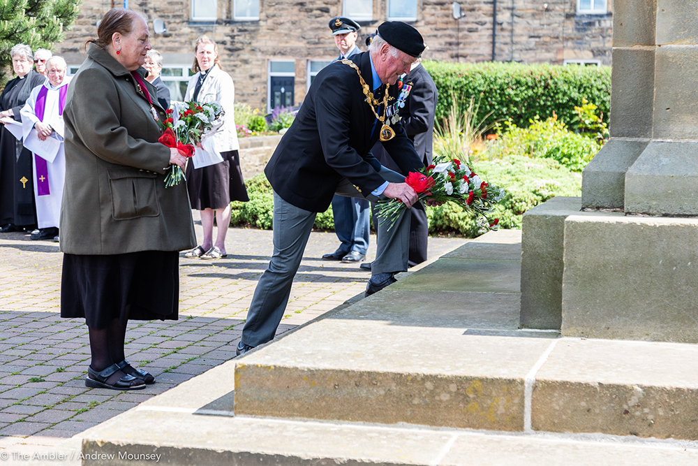 Craig and Helen laying tributes AM