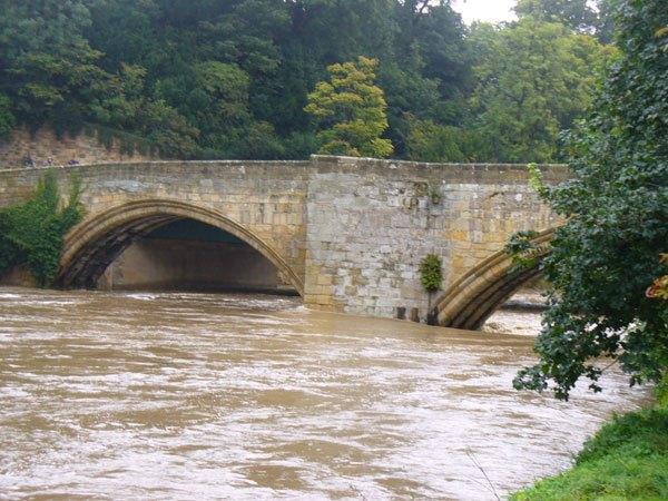 Warkworth-Bridge in flood