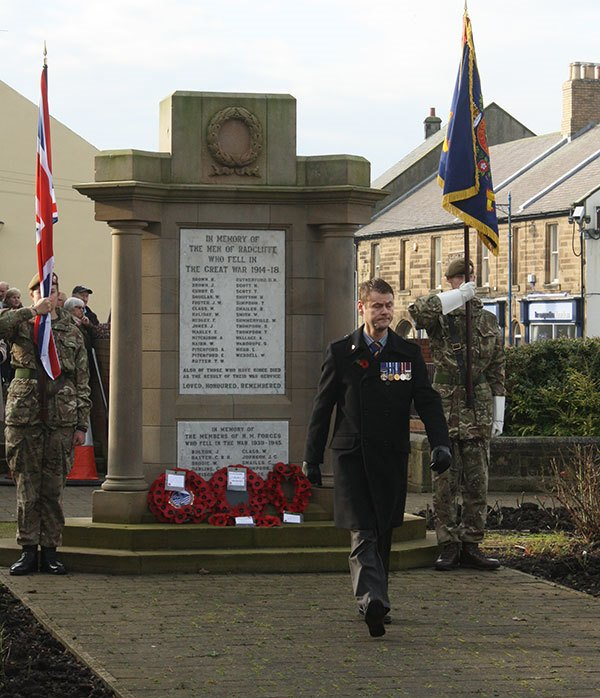 laying-wreath-at-Radcliffe-memorial BR
