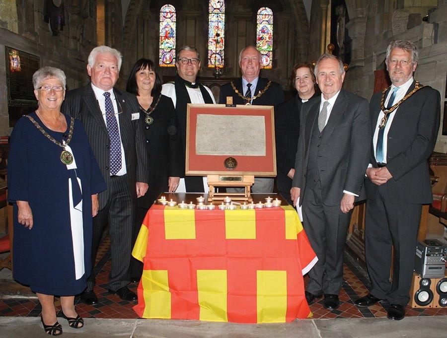 dignitaries-with-Magna-Carta-facsimile