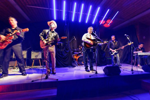 A touch of Country and Western comes to Amble